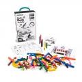 Regletas de plástico de distinto tamaño (250 piezas) con fichas de actividades.